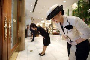 Cách làm dịch vụ của người Nhật có gì đặc biệt khiến cả thế giới học hỏi?