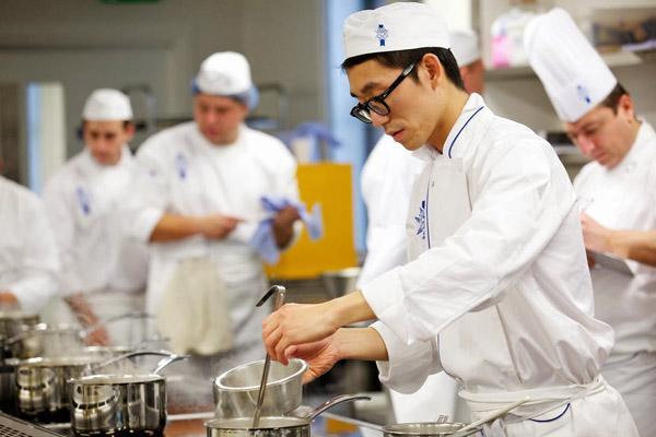 xuất khẩu lao động nghề bếp