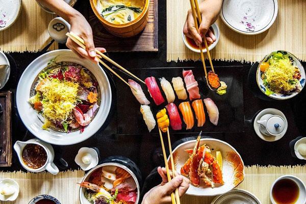 Văn hóa trên bàn ăn và quy tắc thưởng thức