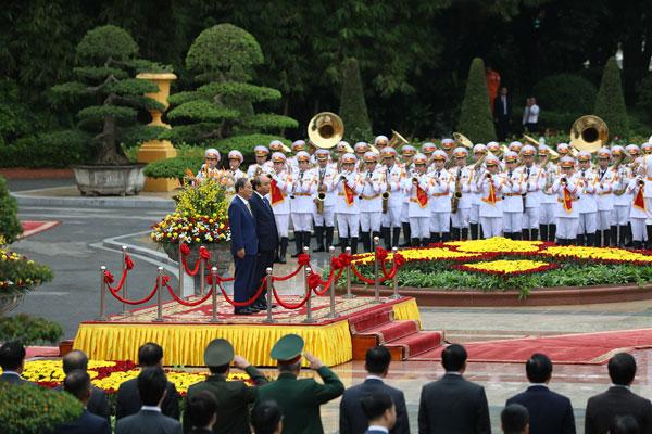 Lễ đón thủ tướng Suga Yoshihide tại Hà Nội