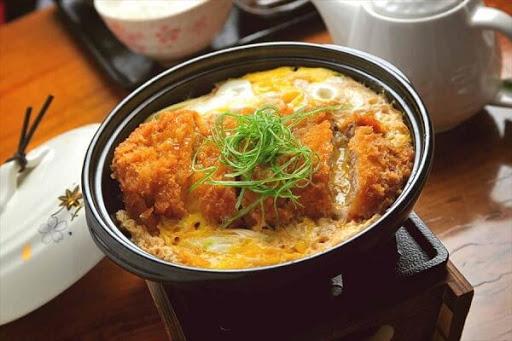 cơm Katsudon Nhật Bản