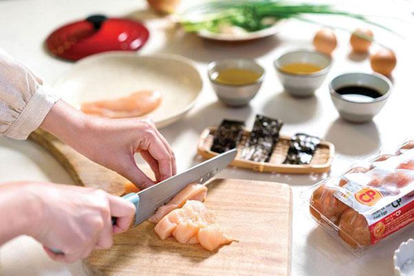 Cách làm món Oyakodon Nhật Bản như thế nào