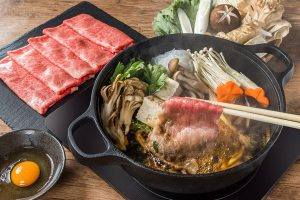 Sukiyaki là gì? Những điều thú vị về món lẩu Sukiyaki của Nhật