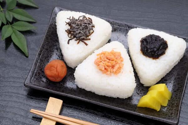 cơm nắm Onigiri Nhật Bản