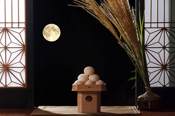 Mochi, con thỏ và Mặt trăng