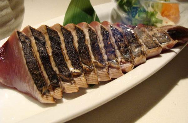 Món cá Bonito - Ẩm thực vùng Shikoku